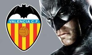 Selain Robin, Batman Juga Memanggil Peguam Untuk Tewaskan Valencia.