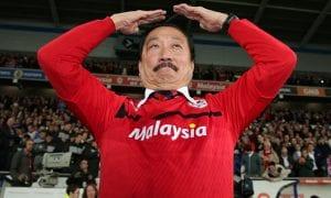 Vincent Tan Akhirnya Menukar Warna Rasmi Cardiff City. Hanya Setelah Disuruh  ...