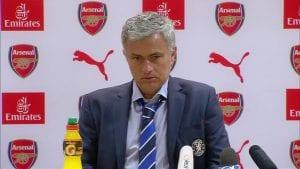 Jawapan Mourinho Kepada Sorakan Boring, Boring Chelsea