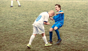 Apabila Kanak-kanak Melakonkan Semula Insiden Buruk Bola Sepak