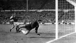 Akhbar Jerman Janji Akan Akui Gol Geoff Hurst Final Piala Dunia 1966 Jika  ...