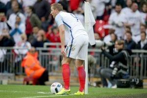 Roy Hodgson Jelaskan Kenapa Harry Kane Mengambil Sepakan Sudut England