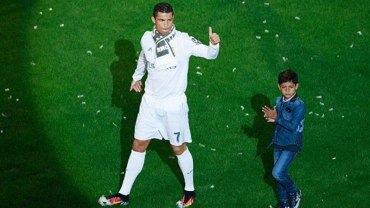 Cristiano Ronaldo Sanggup Jadi 'Budak Milo' Demi Anak