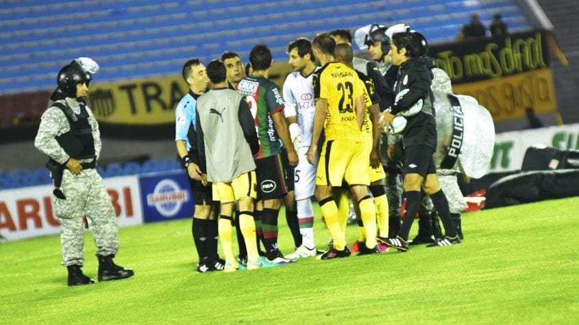 Peminat Ditembak Pengedar Dadah Dalam Stadium, Perlawanan Liga Uruguay  ...