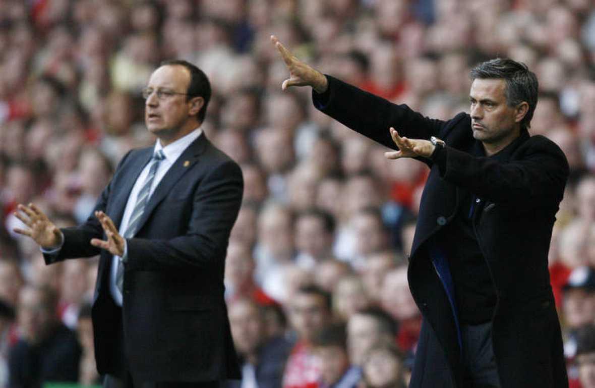 Kisah Bagaimana Jose Mourinho Dan Rafa Benitez Hilang Kawalan Ke Atas Bilik  ...
