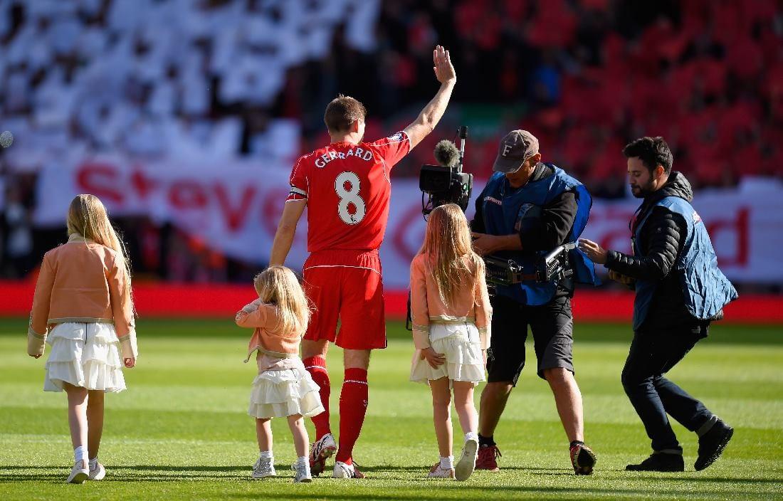 Steven Gerrard Menamatkan Karier Sebagai Pemain Bola Sepak!