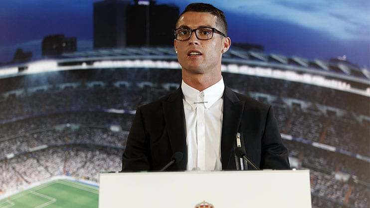 Bagaimana Cermin Mata Ini Boleh Memberikan Masalah Kepada Cristiano Ronaldo