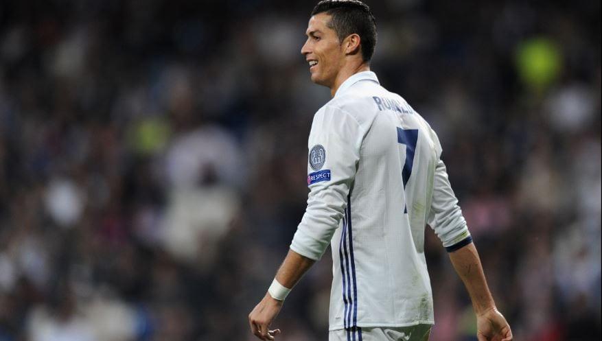 Cristiano Ronaldo Menang Ballon D'Or 2016! Raikan Dengan SUIII!! Tanpa Suara