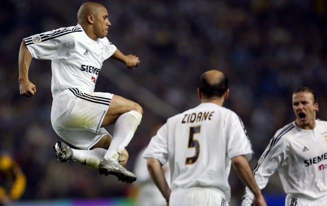 Teknikal: 7 Corak Permainan Roberto Carlos Sebagai Bek Sisi Ofensif