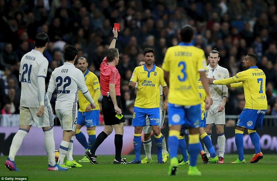 Bale Tidak Percaya Dilayangkan Kad Merah, Marcelo Pula Rasa Nak Pulas Telinga  ...