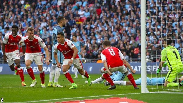 Highlight: Arsenal 1 Manchester City 1 (AET 2-1), Sanchez Jadi Hero Arsenal