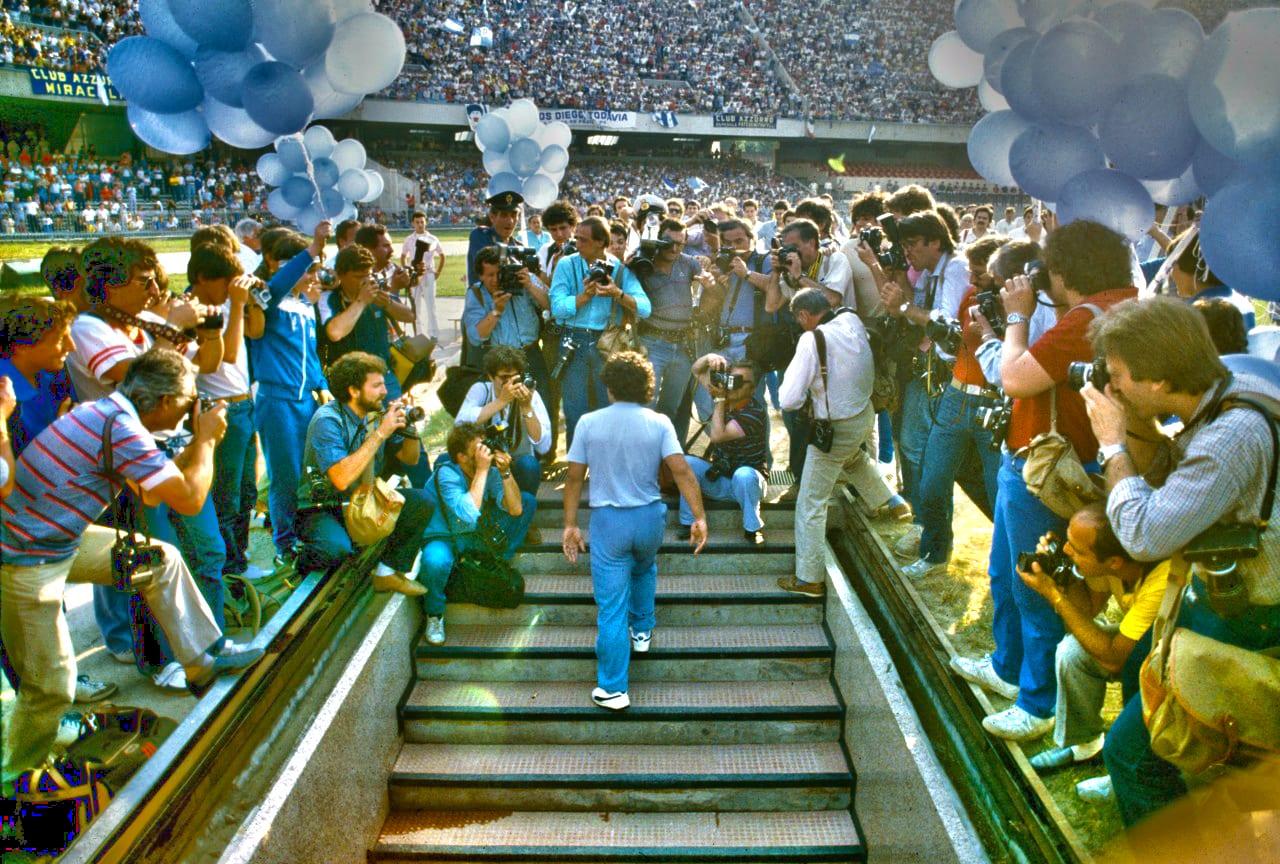 Lagenda Maradona (Bahagian 3): Mengubah Bandar Mafia Napoli Menjadi Kuasa Bola  ...