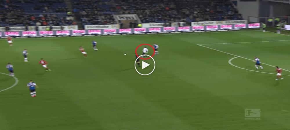 VIDEO: Tersalah Hantar Bola, Penjaga Gol Ini Dihukum Dengan Jaringan Dari Jarak  ...