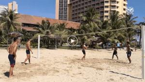 VIDEO: Pemain Skuad Kedah Bertarung Dalam Acara Bola Tampar Pantai