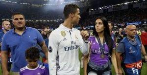 Cristiano Ronaldo Dapat Anak Kembar Tak Seiras!
