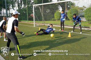 penjaga gol malaysia khairulazhan